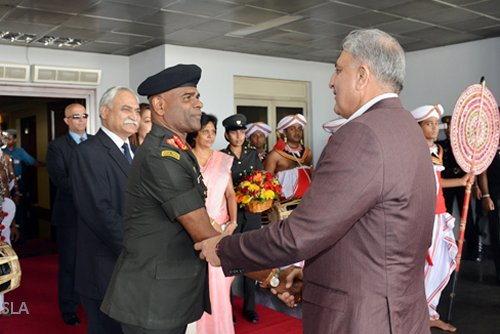 Pakistan Army Chief arrives in Sri Lanka on goodwill tour
