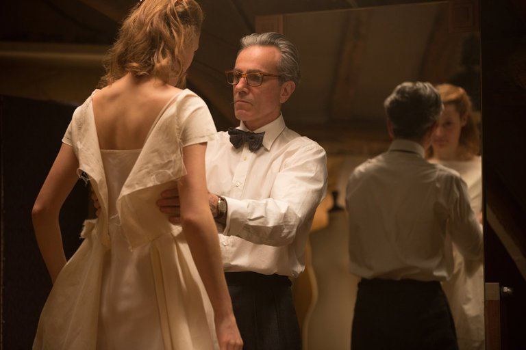 Review: Daniel Day-Lewis Sews Up Another Great Performance in 'Phantom Thread'