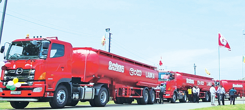 Private fuel bowser owners in Sri Lanka threaten strike action demanding increase in fees