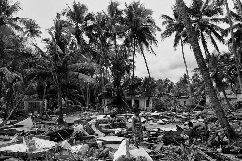 2 min silence in remembrance of 2004 Tsunami victims