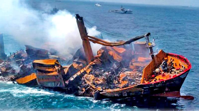 Oil sheen leaking from the X-Press Pearl wreck; Godahewa's claim debunked