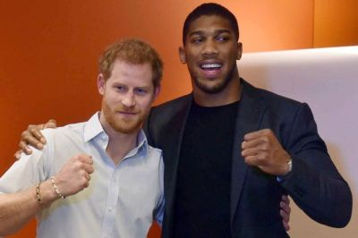 Anthony Joshua All Smiles With Prince Harry At Charity Event 1