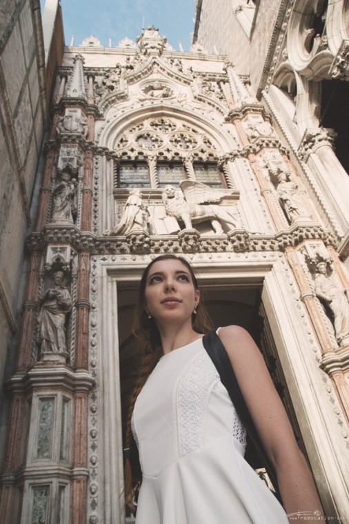 Venice, travel guide Venice, girl in a Venice, Doge's Palce, St. Mark's Square