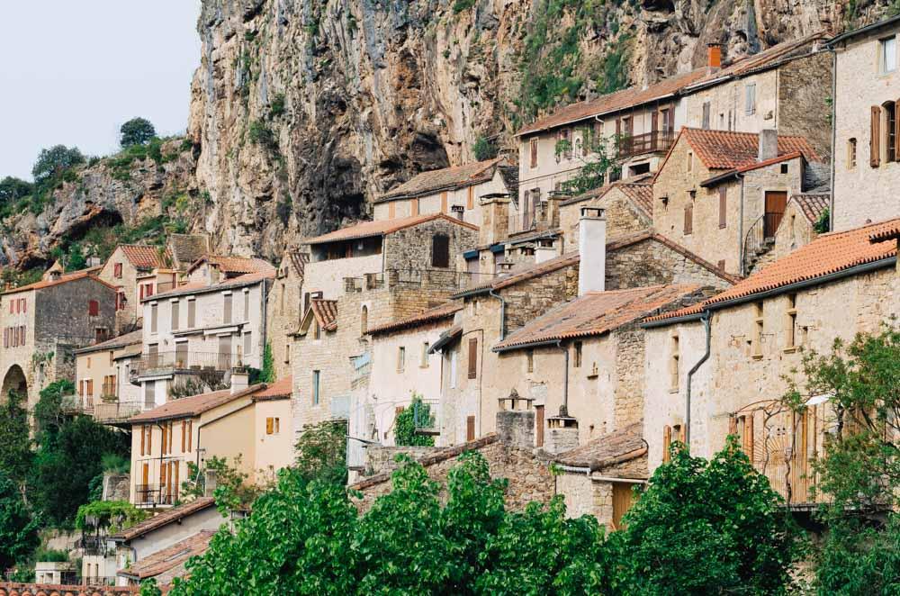 occitanie south west aveyron village troglodyte