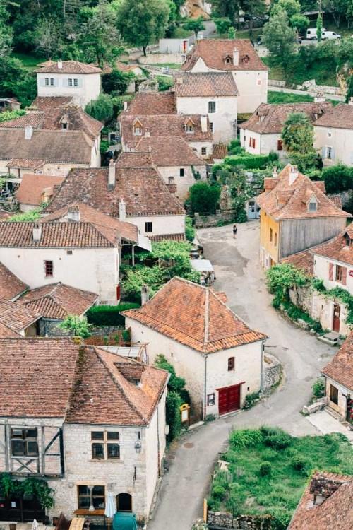 occitanie lot saint cirq lapopie village from above street