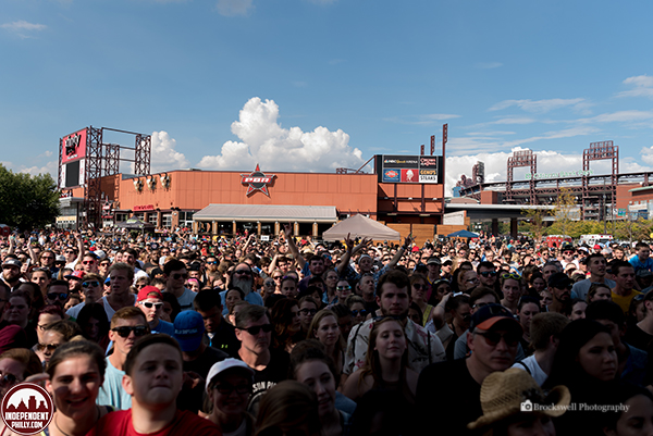 Crowd - 05 - 600