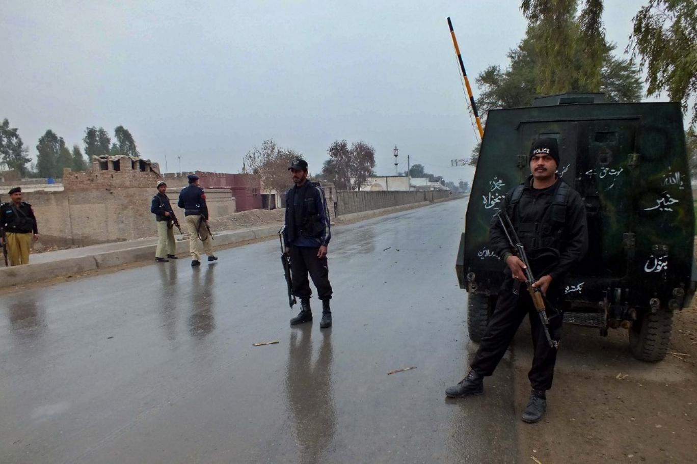 مبینہ پولیس مقابلہ: 'بیٹے کے نام سے دہشت گرد کا ٹھپہ ہٹایا جائے'