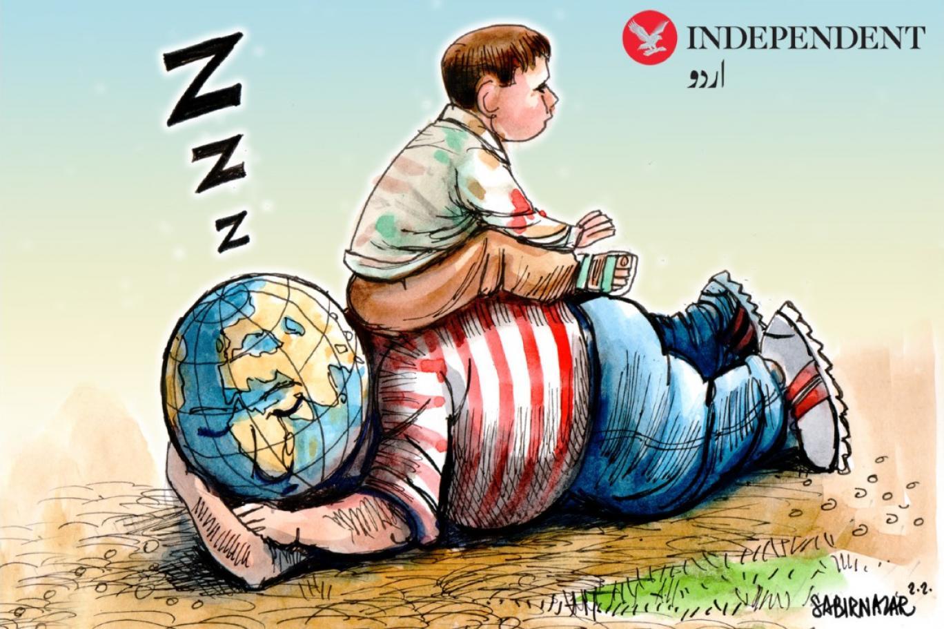 نانا کی لاش پر بیٹھے کشمیری بچے کے دکھ پر دنیا خاموش