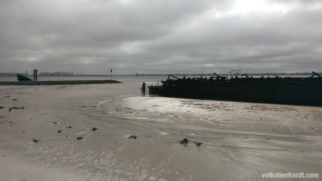 Schiffswrack Blankenese