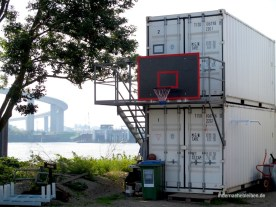 Basketball an Container