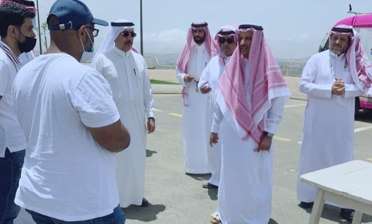 السعودية | وزير السياحة يطلع على المقومات الاستثمارية والسياحية في أبها