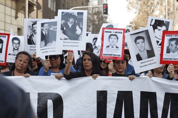 A march organized by the National Assembly of Human Rights in Santiago to mark the 40th anniversary of a military coup that ousted President Salvador Allende ended in violence and clashes with police. (Photo: Mario Tellez / Demotix)