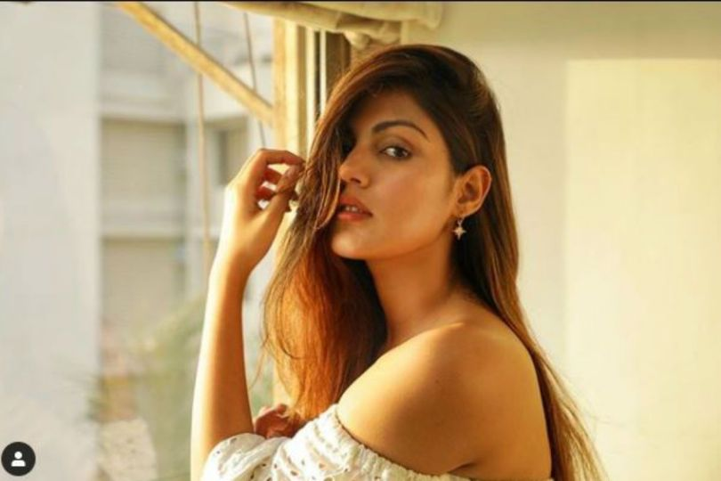 Rhea Chakraborty Files Complaint Against Media, Asks Police to Convey Not to Obstruct Her Way