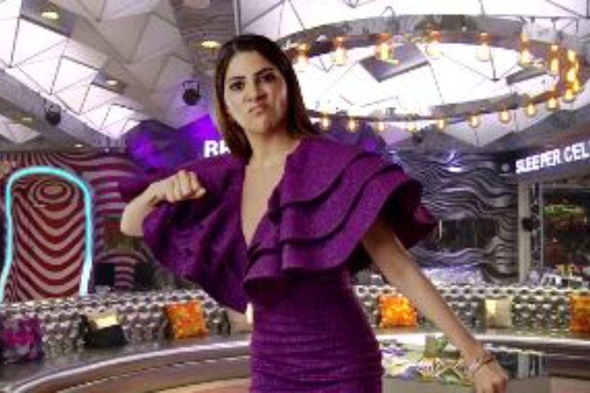 SHOCKING! Ex-Bigg Boss contestant Sara Khan gets ARRESTED