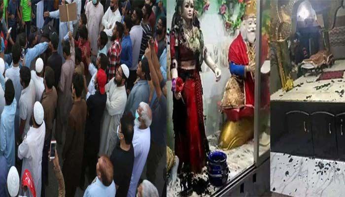पाकिस्तान में मुस्लिमों ने मंदिर में घुसकर तोड़ी देवी-देवताओं की मूर्तियां, हिन्दू परिवारों को भी पीटा, पड़ोसीयों ने बचाई जान