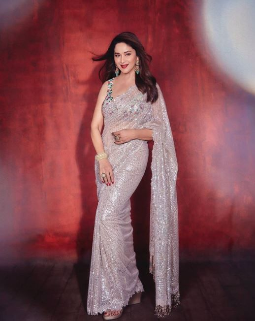 Madhuri Dixit in Shimmery pastel mauve saree For Dance Deewane Promotions