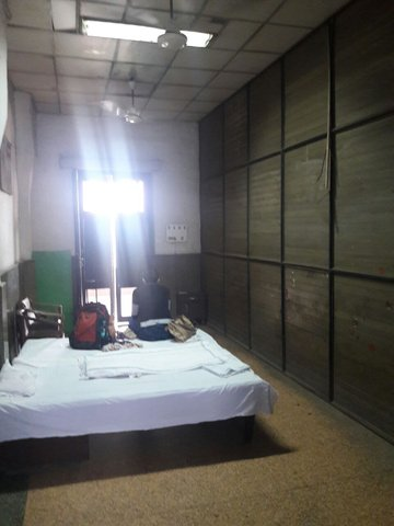 Retiring room at Old Delhi railway station  India Travel