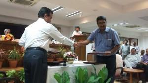 ministry-of-railways-signs-mou-odisha_indianbureaucracy