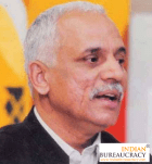 Dr Manohar Agnani