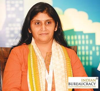 Mona Khandhar IAS GJ-Indian Bureaucracy
