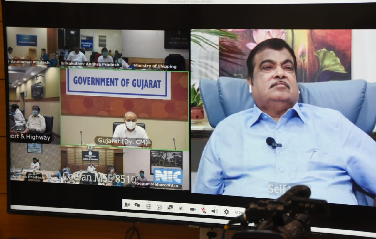 Gadkari calls for urgent action to facilitate Inter-State border movement of Trucks