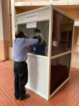SCTIMST scientists develop disinfected barrier-examination booth