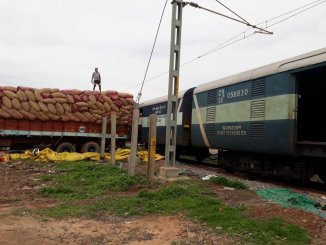Indian Railways loads Special Parcel Train to Bangladesh