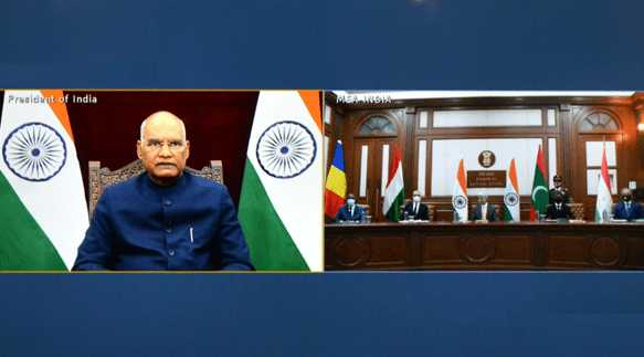 H E Andras Laszlo Kiraly presents credentials to the President of India