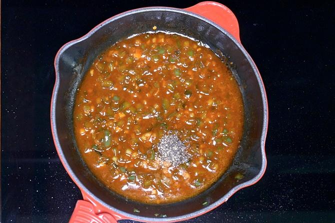 add crushed pepper to make gobi manchurian