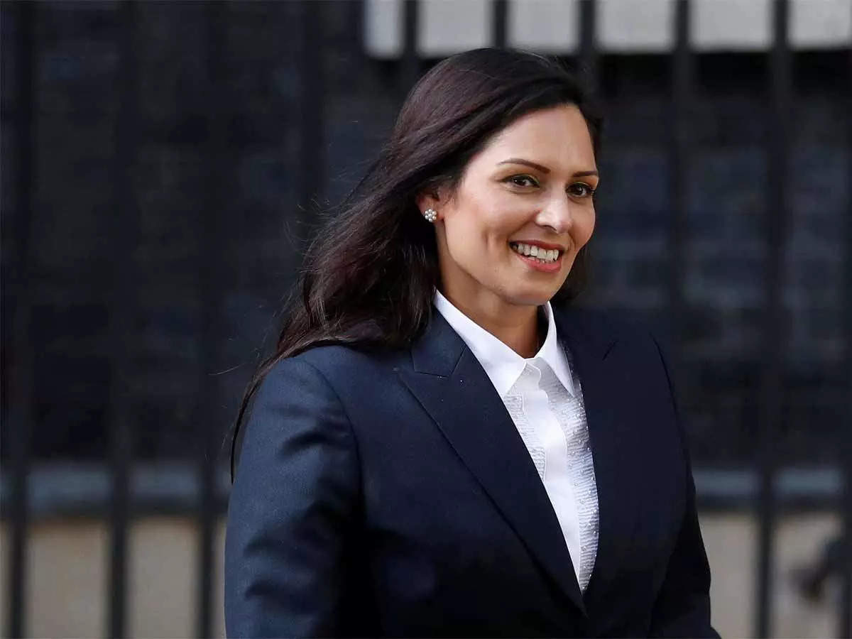 UK: British minister Priti Patel badly trapped after having 'lunch'