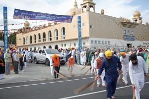 Sikh volunteers at the Nanaskar Thath Isher Darbar, Manurewa, South Auckland preparing for Vaisakhi Festival 2014
