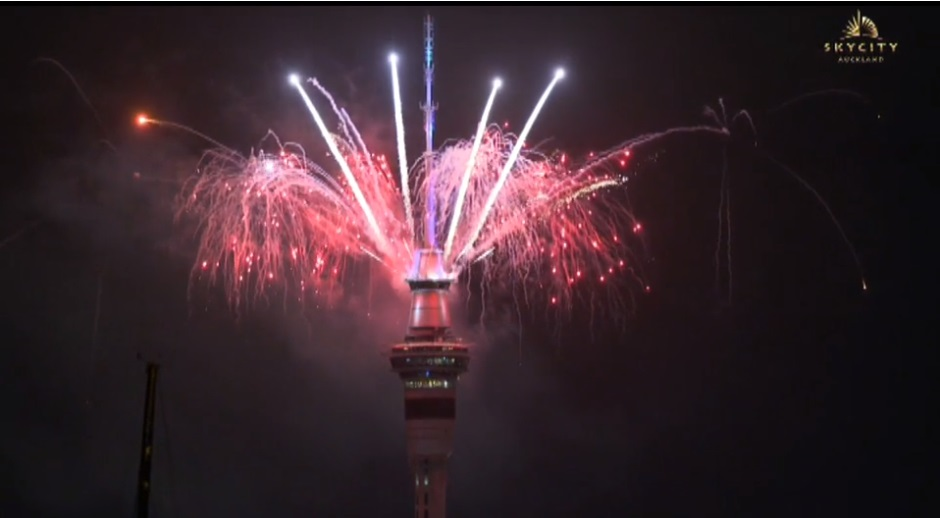 New Zealand welcomes 2018 with fireworks