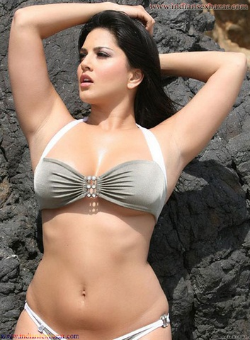 Sunny Leone gets hottest Shine Body Figure Without Clothes Sunny Leone XXX Nude Images Indian girl nude images 1