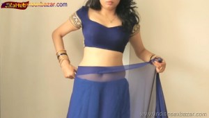 Indian Desi Housewife hot stripping Blue Saree Full Nude Full HD Porn Sexy Navel Gand Choot boobs00002