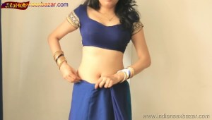 Indian Desi Housewife hot stripping Blue Saree Full Nude Full HD Porn Sexy Navel Gand Choot boobs00003