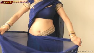 Indian Desi Housewife hot stripping Blue Saree Full Nude Full HD Porn Sexy Navel Gand Choot boobs00013