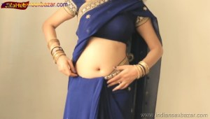 Indian Desi Housewife hot stripping Blue Saree Full Nude Full HD Porn Sexy Navel Gand Choot boobs00016