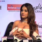 Indian Bollywood Sexy Actress Nidhi Agarwal Showing Big Boobs At Filmfare Glamour And Style Awards 2017 XXX Nude Porn Pic Download (9)