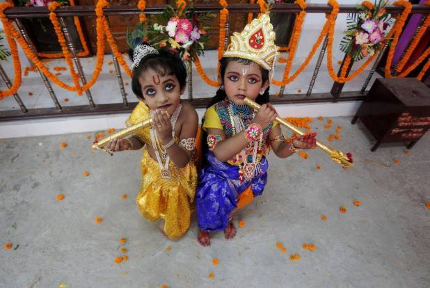 Children dressed up as Hindu Lord Krishna pose during Janmashtami festival celebrations marking the birth anniversary of Krishna in Agartala, India August 24, 2016. REUTERS/Jayanta Dey TPX IMAGES OF THE DAY