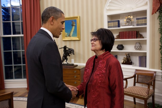 Elouise Cobell met with President Barack Obama in the Oval Office, 2010