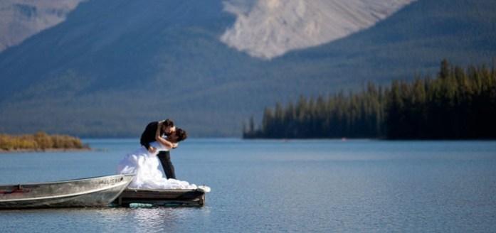 Lake Wedding - IndianWeddingCards