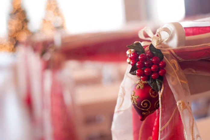 Christmas Inspired Wedding Ideas For Your Winter Wedding Aisle Decorations 2