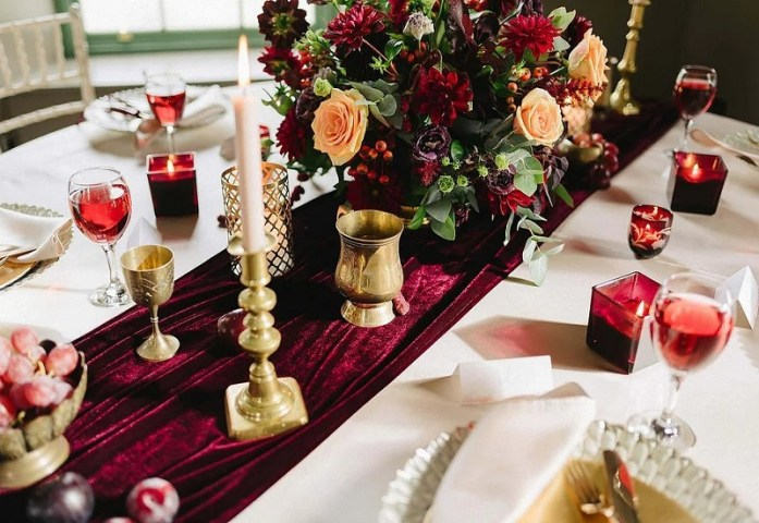Velevet wedding reception table