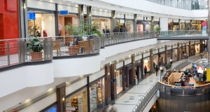 Top 10 challenges facing fashion retailers in India today