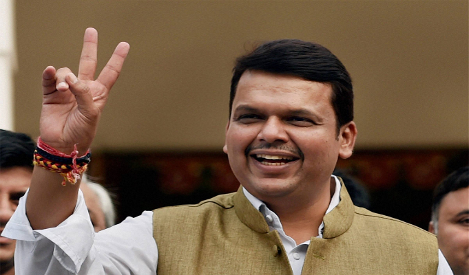 Maharashtra to set up Apparel Park in Amravati: Fadnavis