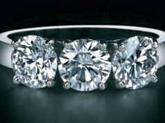 De Beers buys out 50 pc stake from retail partner LVMH