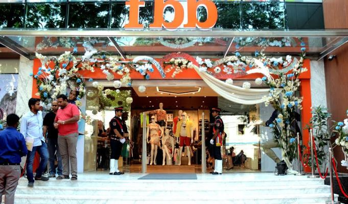 fbb launches largest iconic store in Kolkata