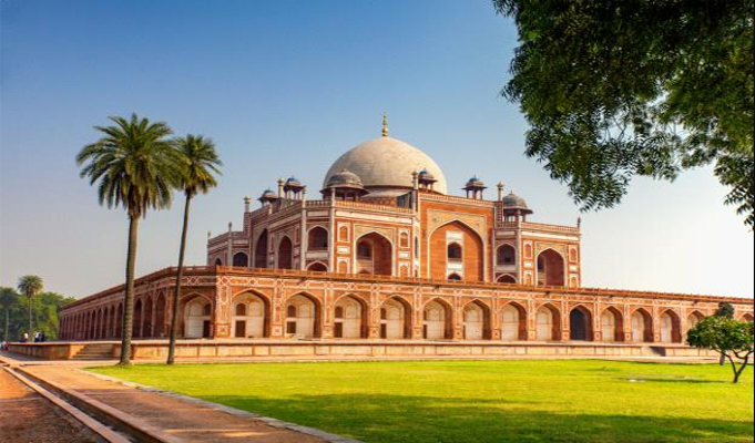 Top 5 historical places in Delhi for the history buffs