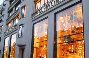 Louis Vuitton launches e-commerce store in China