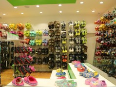 Crocs launches flagship store with LiteRide collection in Delhi
